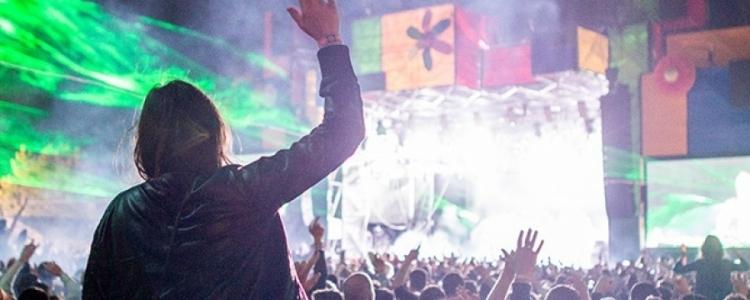 /index.php/kultura/festivaly/item/2590-balaton-sound-kompletni-lineup